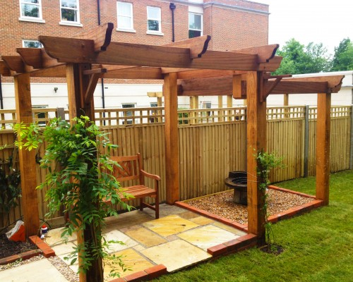 Our service combines soft and hard landscaped elements.